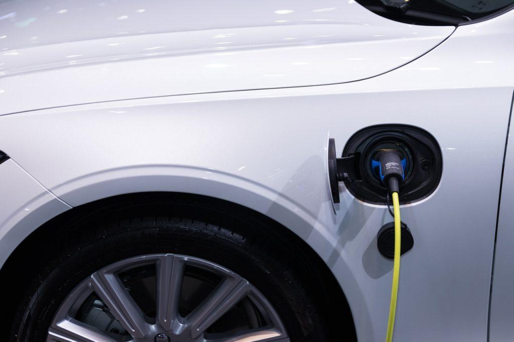 Prise électrique voiture recharge